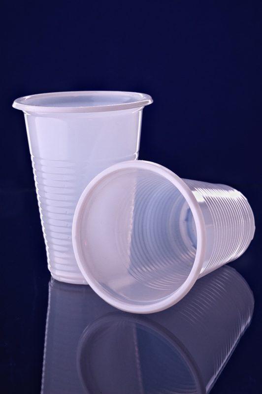 כוסות מפלסטיק